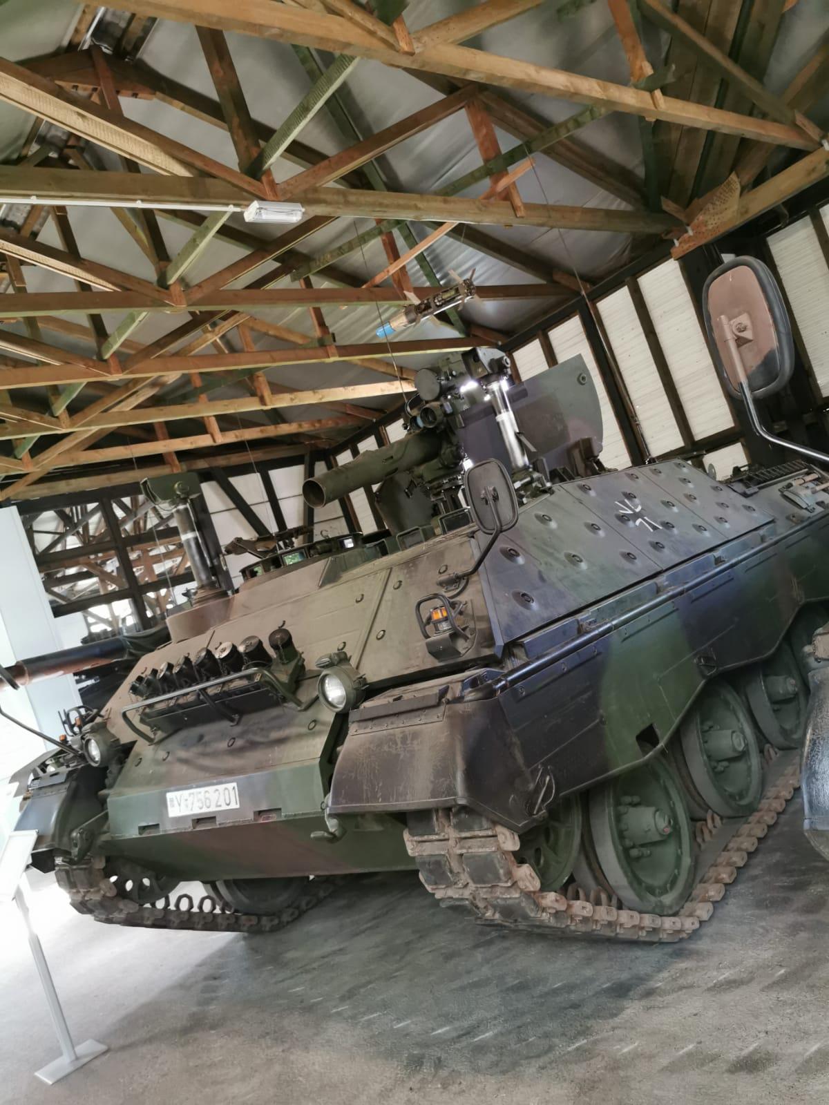 Jaguar-mit-TOW